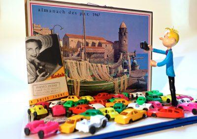 """""""Pour le souvenir"""", 2015, maquette, calendrier, petites voitures, volume, 23 x 31cm"""