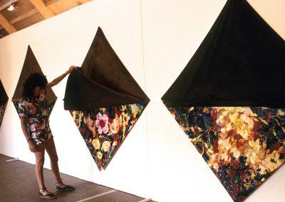 1983-1988, 186 cm de pointe à pointe, Collage et acrylique sur toile non tendue et tendue